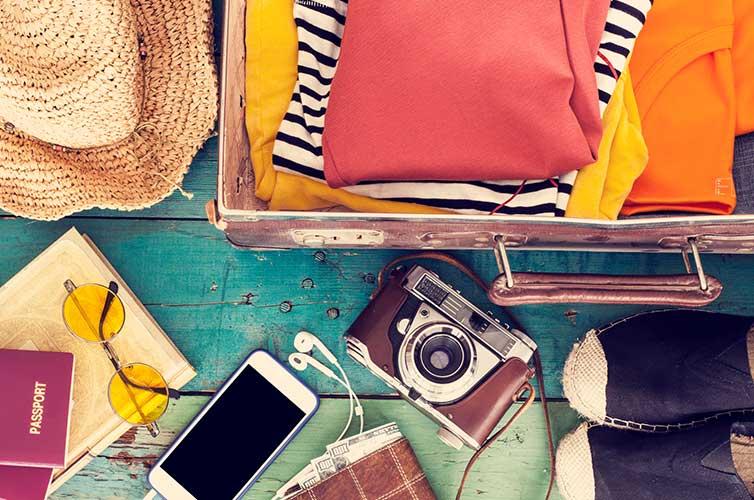 keep-luggage-safe-valuables