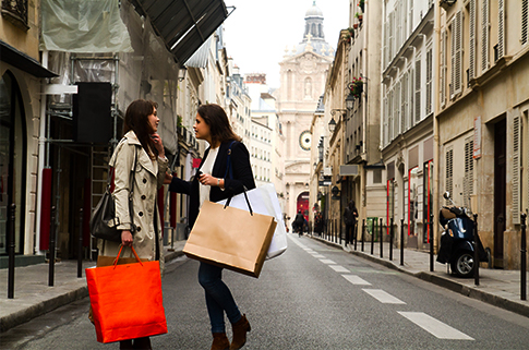 study-abroad-budget-guide-shopping