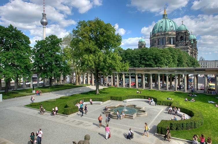 visit berlin museums
